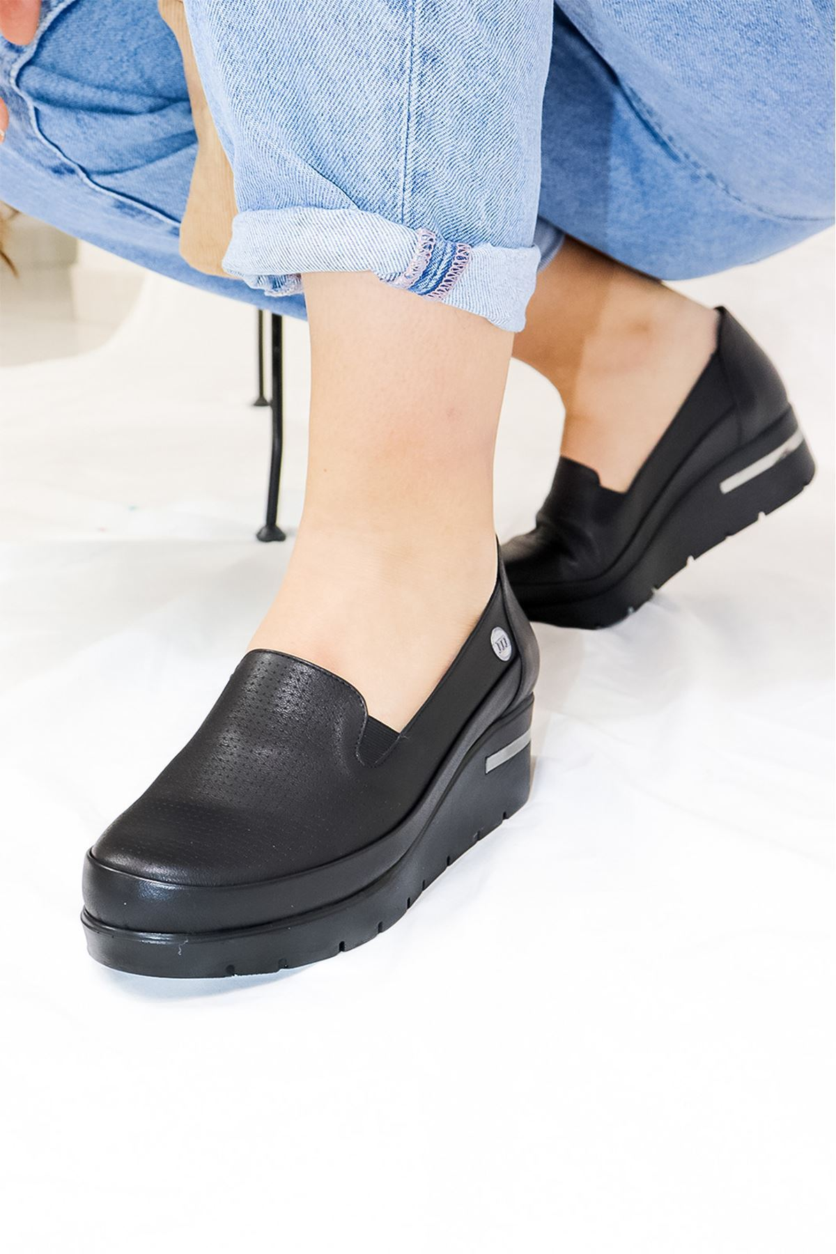 Mammamia - D21YA - 3210-B Siyah Dolgu  Kadın Ayakkabısı