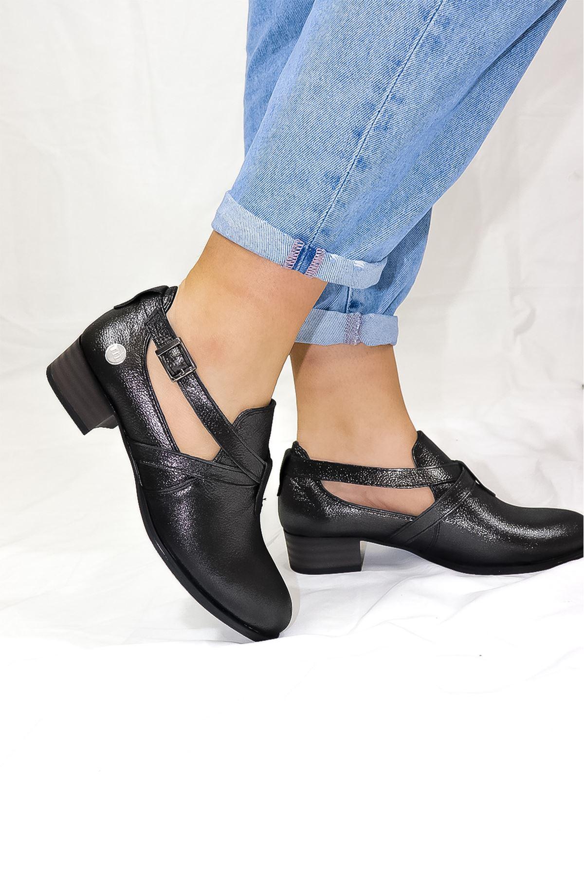 Mammamia - D21YA - 90-B Çelik Simli Kadın Ayakkabısı