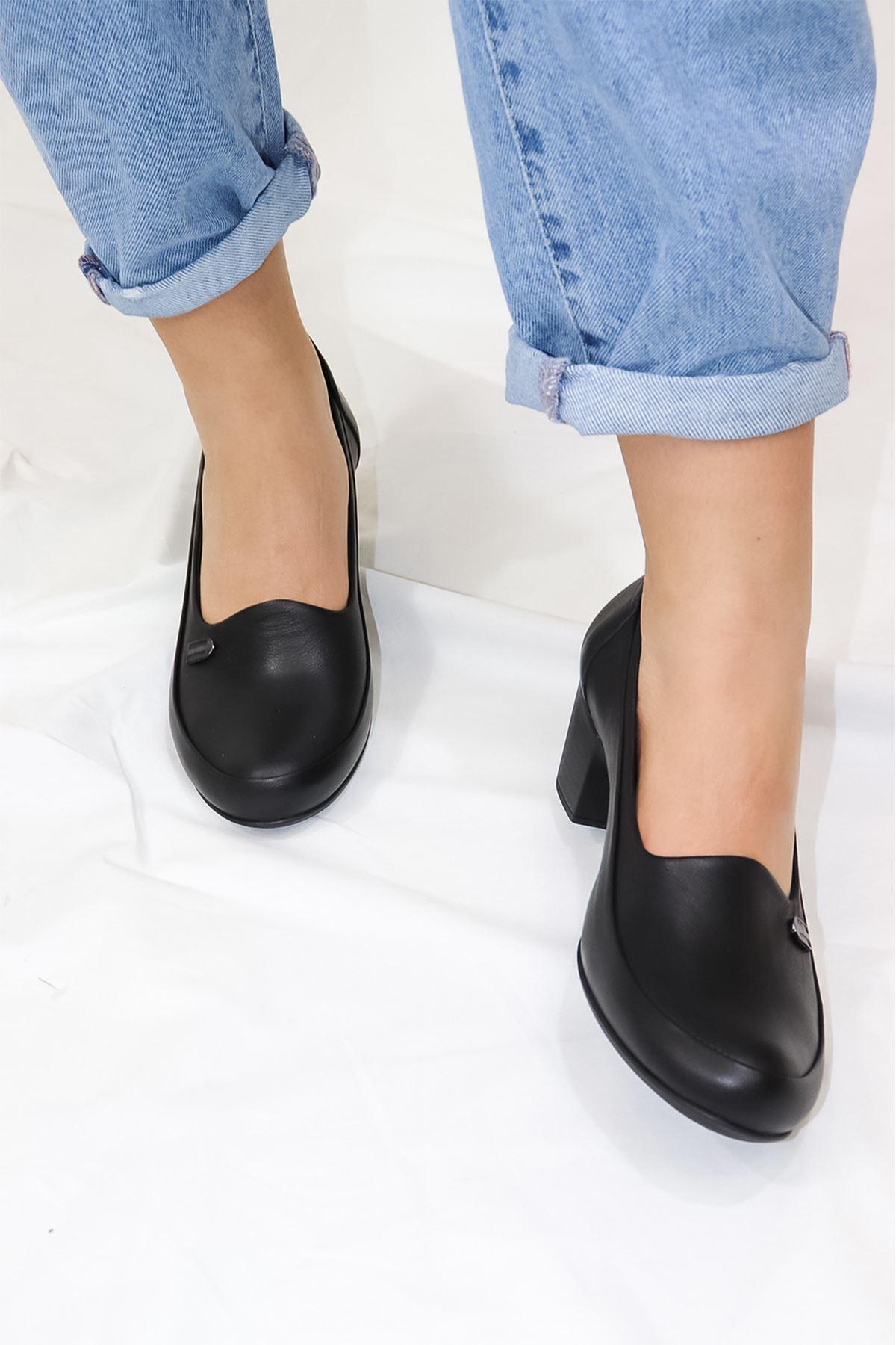 Mammamia - D21YA - 3360-B Siyah Topuklu Kadın Ayakkabısı