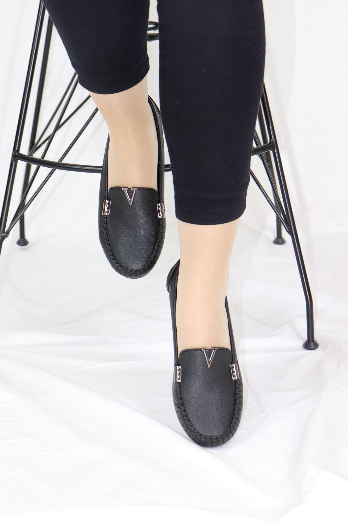 Trendayakkabı - Siyah Detaylı Babet