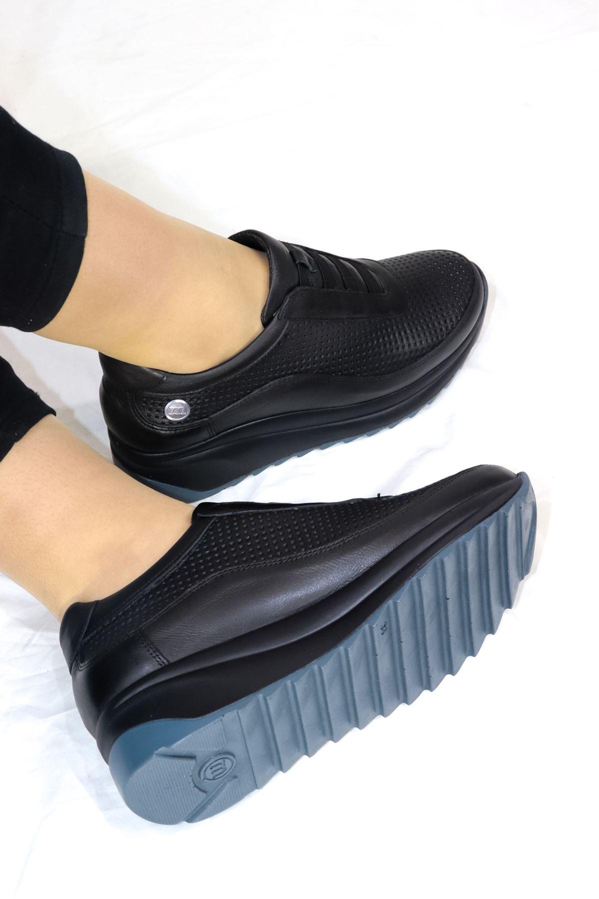 Mammamia - D21YA - 3220-B Siyah Lastikli Dolgu Topuk Kadın Ayakkabısı