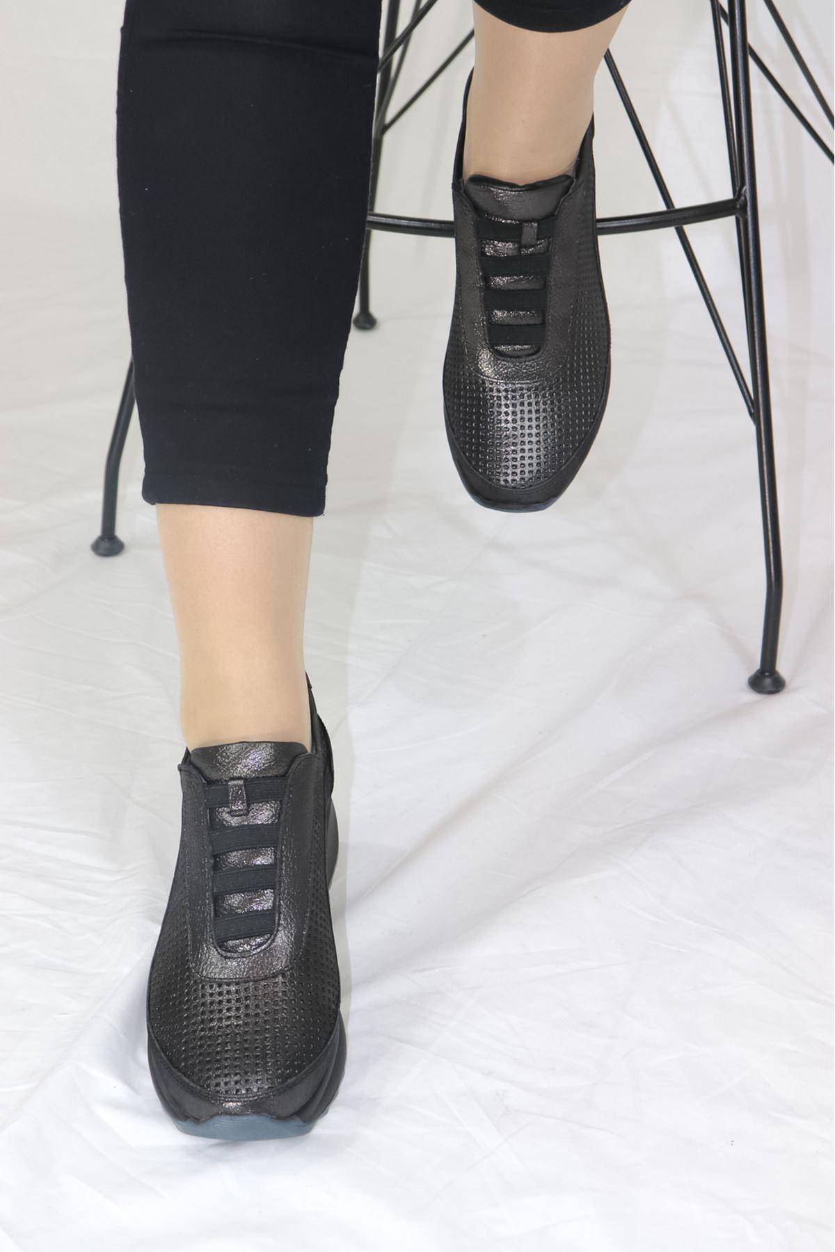 Mammamia - D21YA - 3220-B Çelik Simli Lastikli Dolgu Topuk Kadın Ayakkabısı