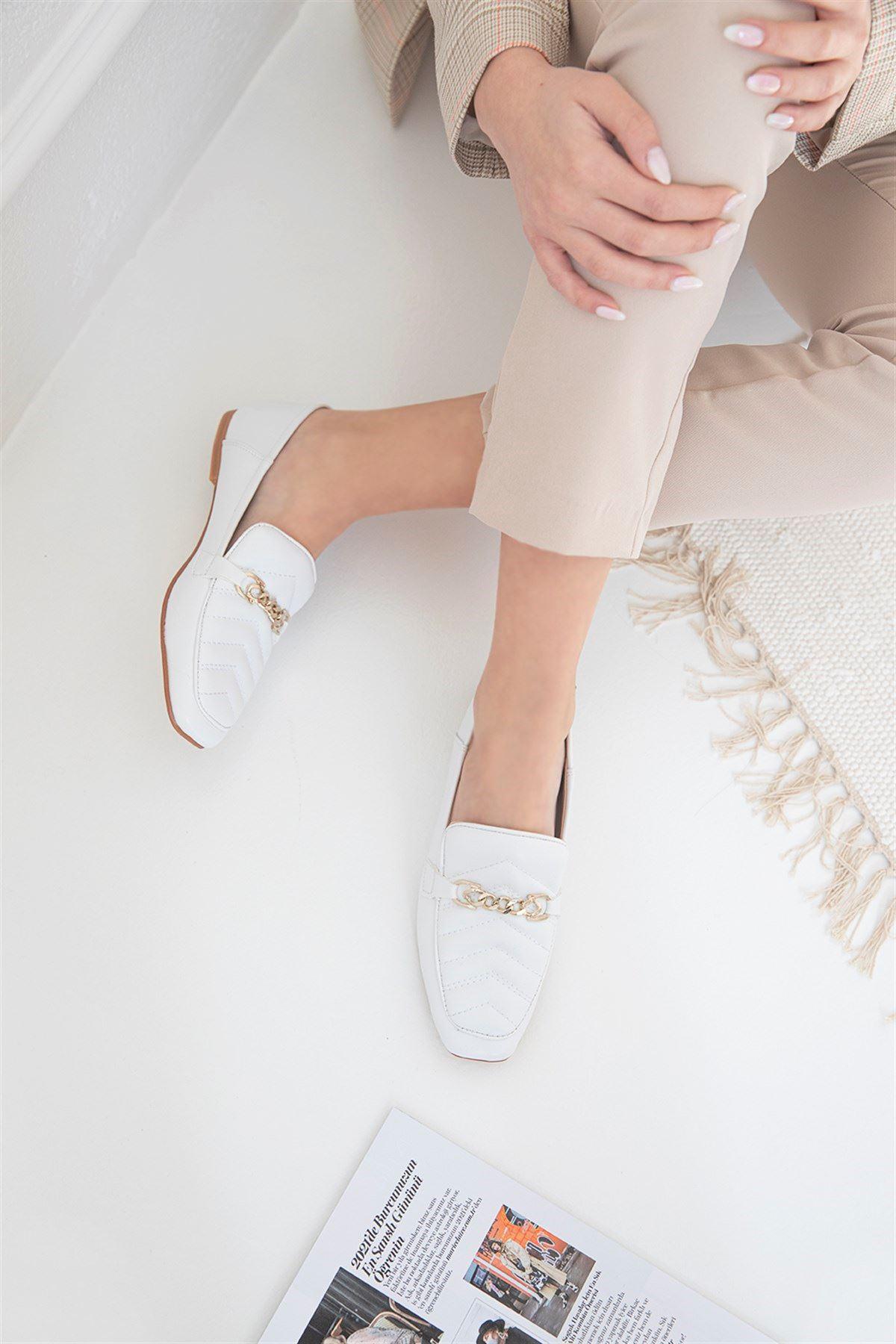Trendayakkabı- Kadın Kapitone Detay Deri Babet Beyaz