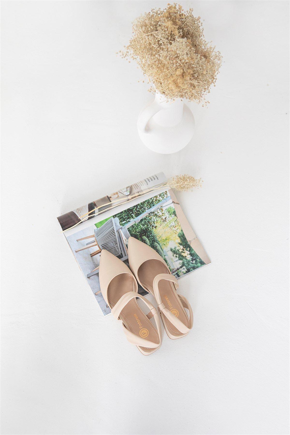 Trendayakkabı -  Kadın Topuklu Deri Sandalet Bej