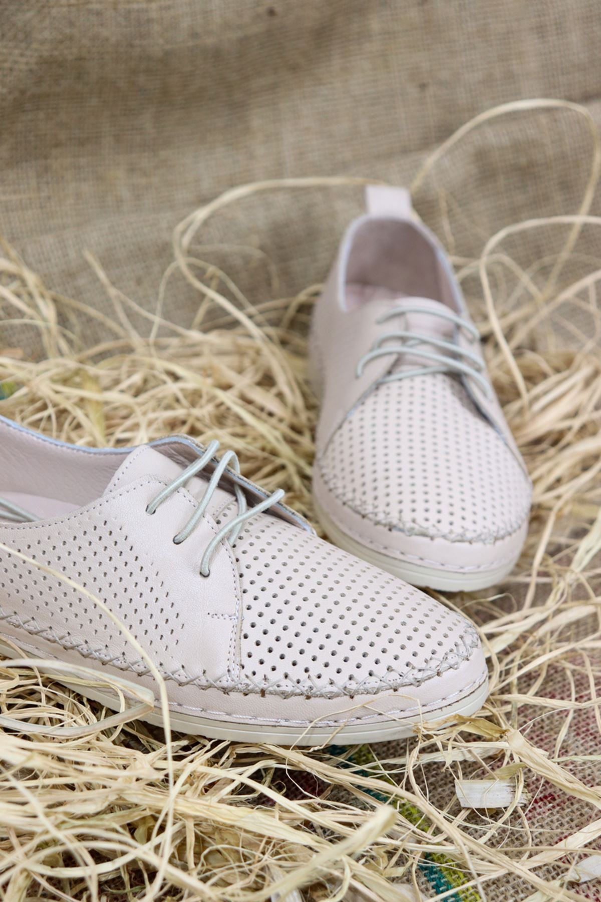 Trendayakkabı - Ten Hakiki Deri Kadın Ayakkabısı