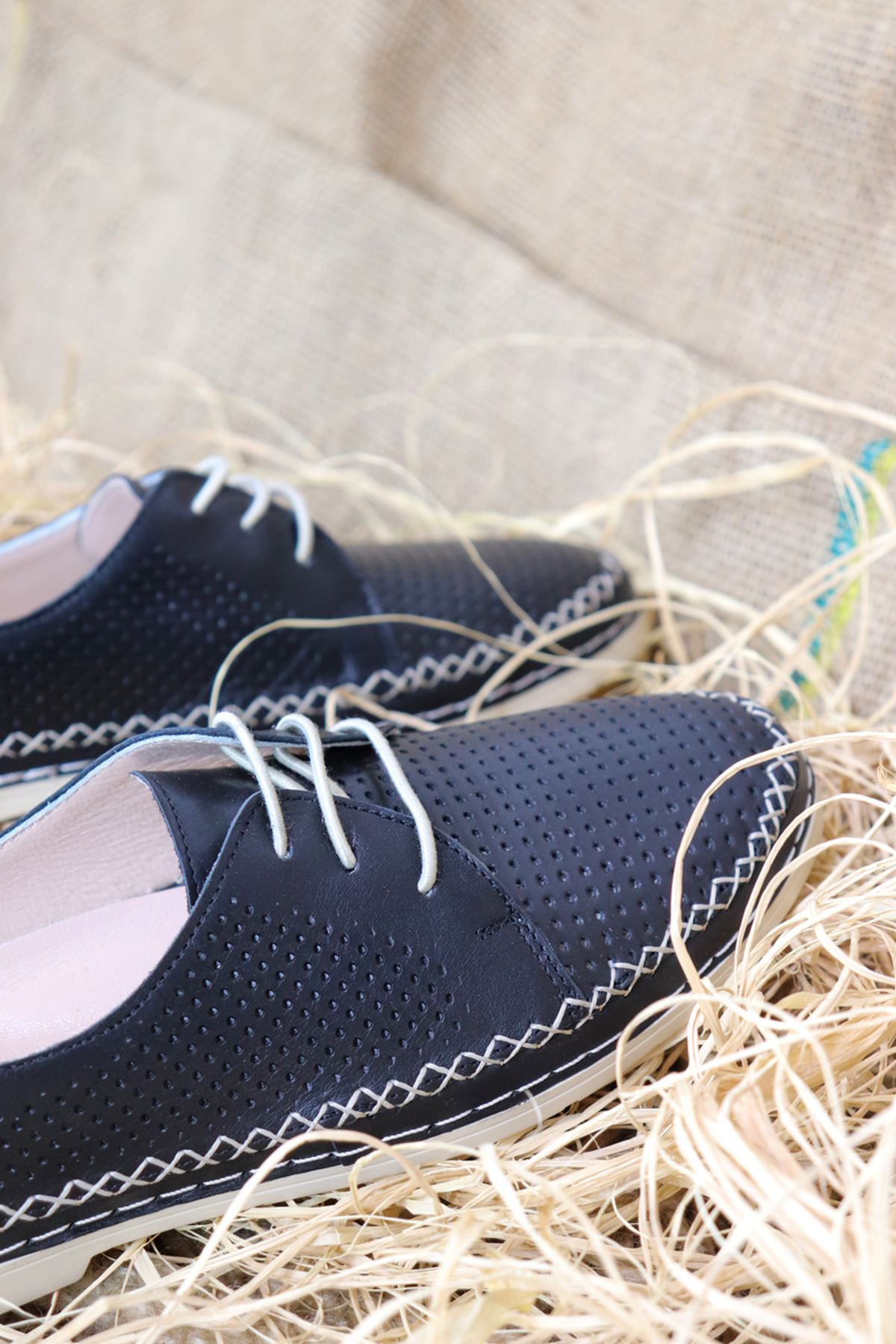 Trendayakkabı - Siyah Hakiki Deri Kadın Ayakkabısı