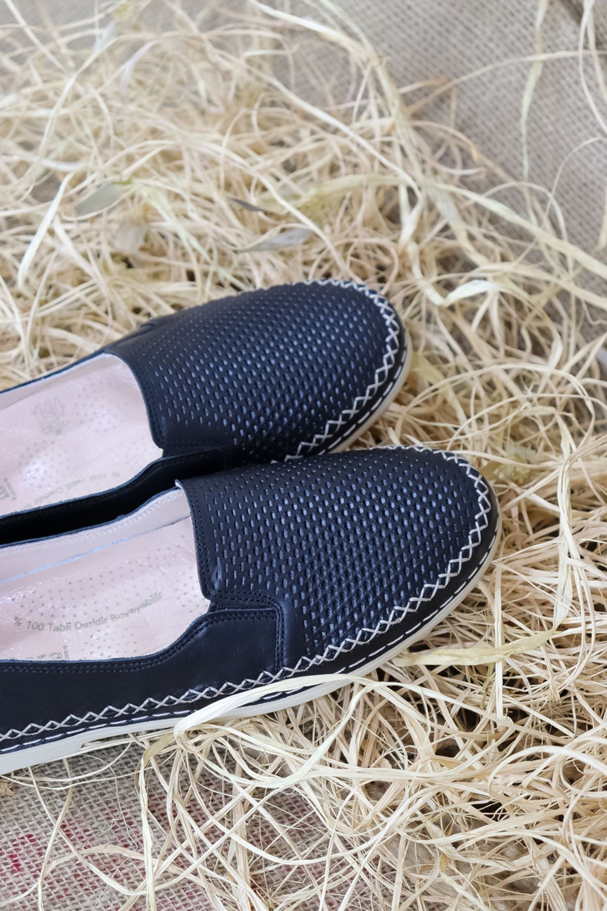 Trendayakkabı - Siyah Deri Kadın Ayakkabısı