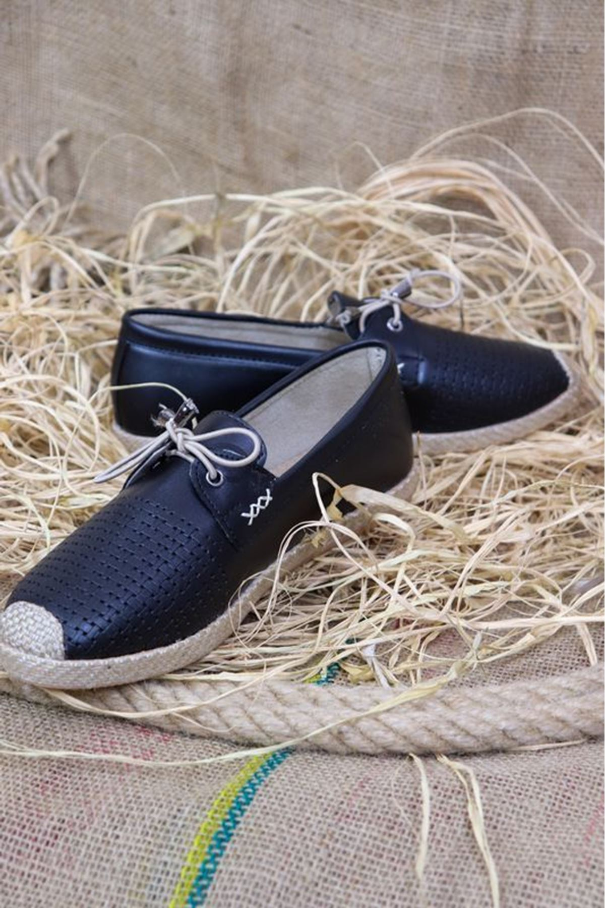 Trendayakkabı - Siyah Hasır Taban kadın ayakkabısı