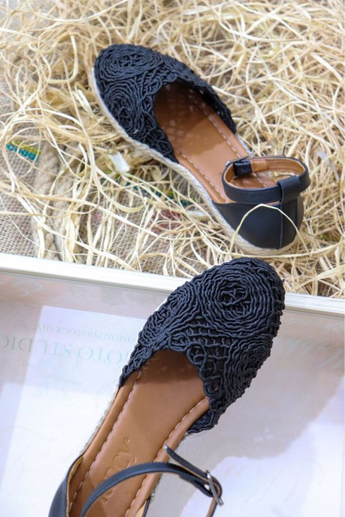 Trendayakkabı - Siyah Dantel Detaylı Kadın Babet