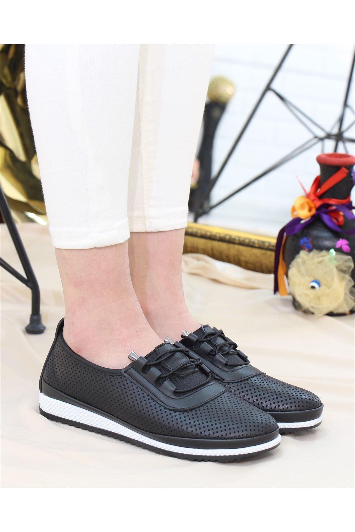 Trendayakkabı - Siyah Delikli Yazlık Kadın Babet