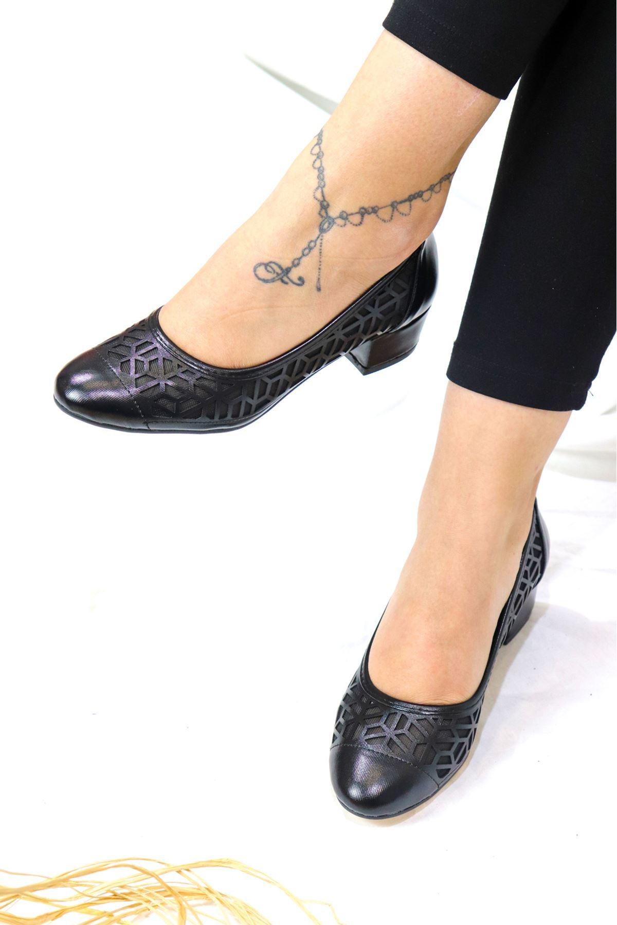 Trendayakkabı - 1 Siyah Kadın Topuklu Ayakkabı