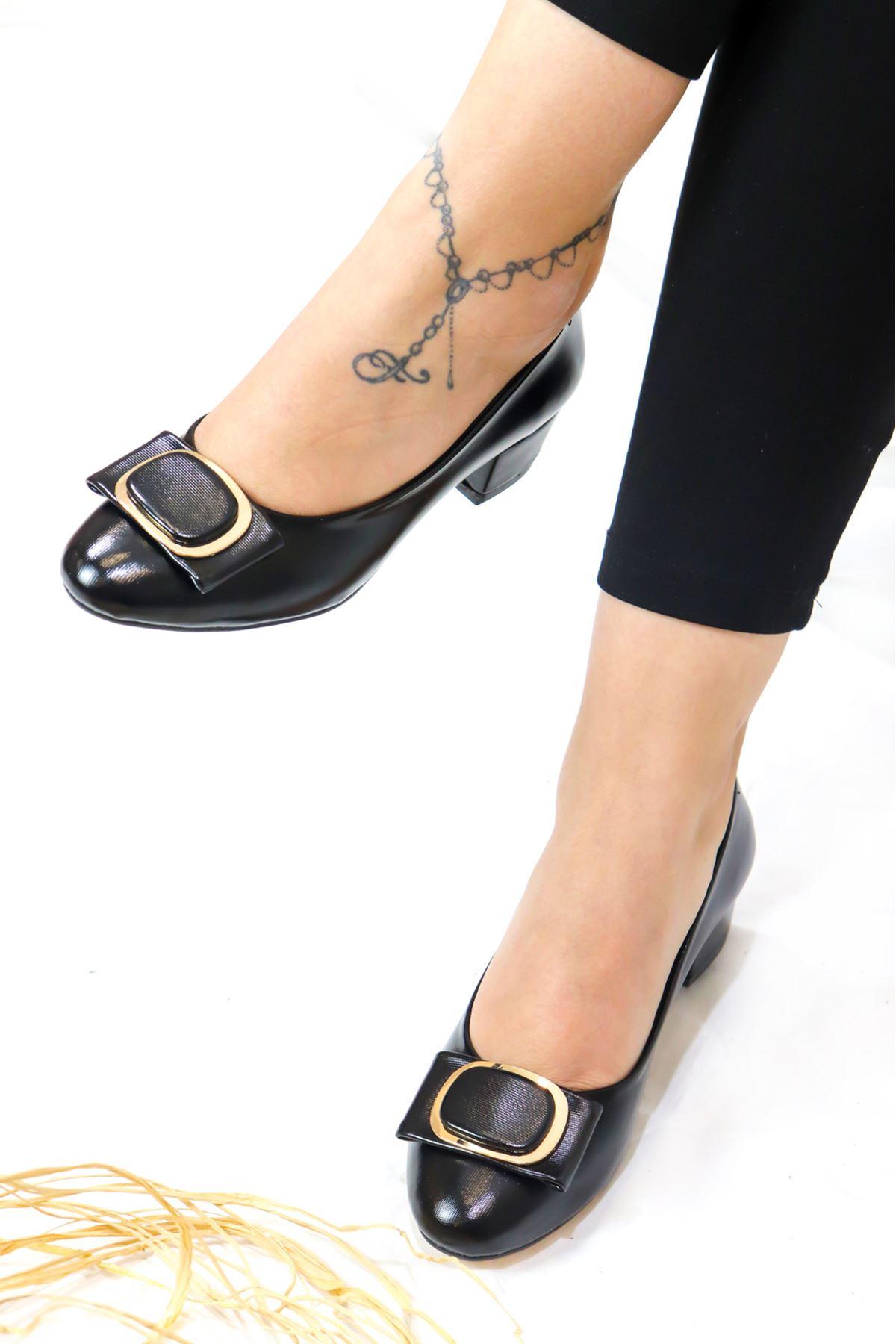 Trendayakkabı - 3 Siyah Kadın Topuklu Ayakkabı