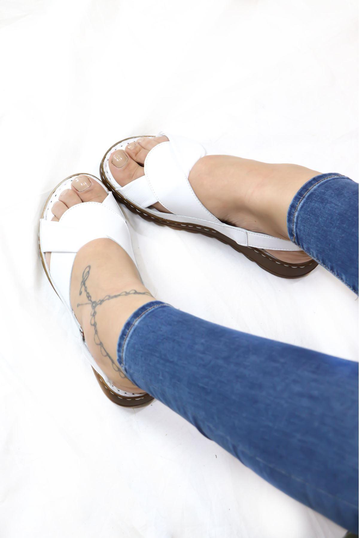 Trendayakkabı - 21Y063018 Beyaz Kadın Sandalet