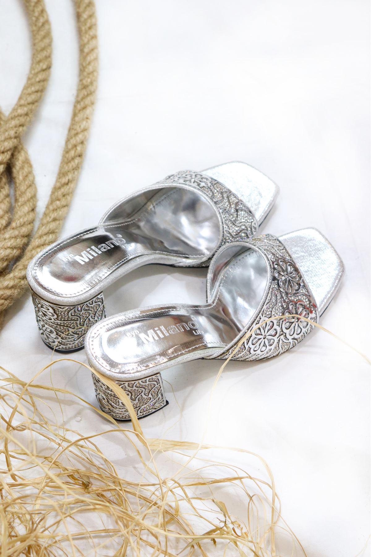 Milano - Gümüş çiçek detaylı Kadın Terlik