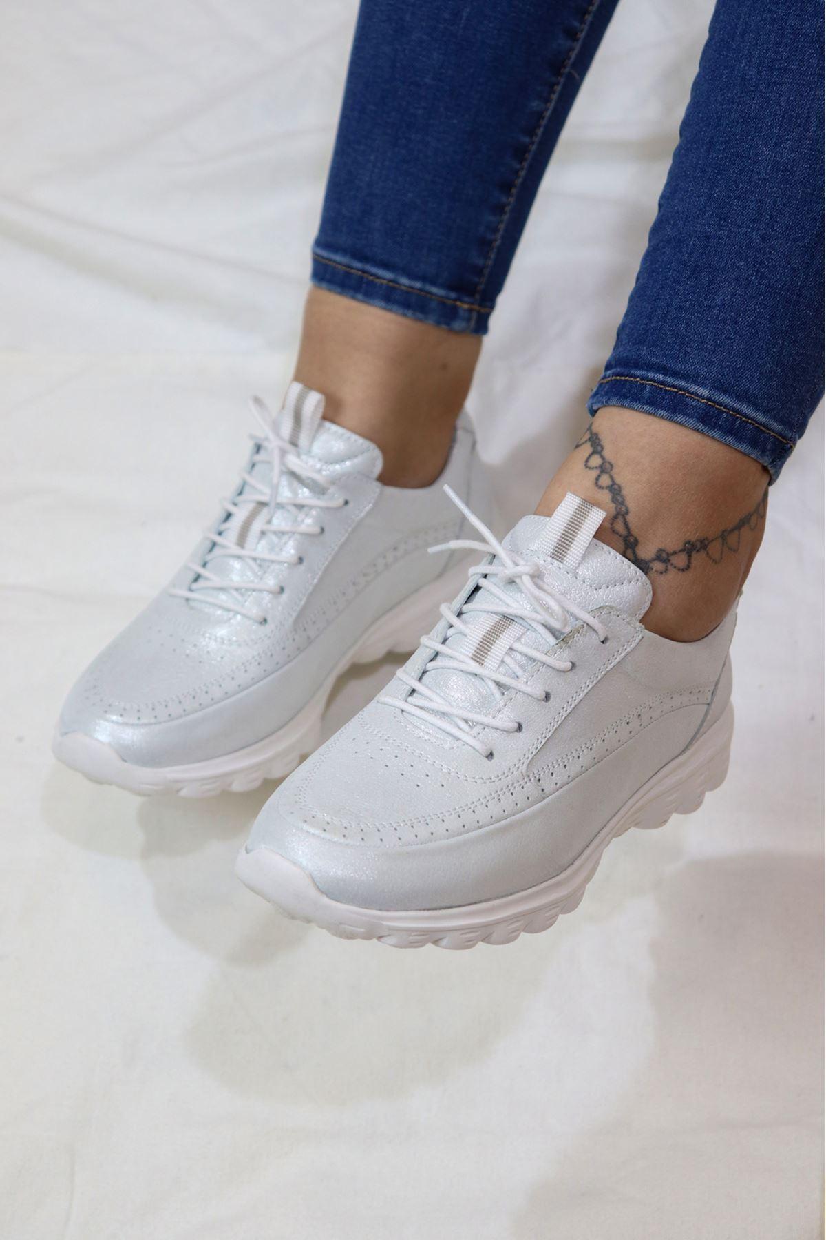 Libero - Dİ2018 Beyaz Faylon Simli Kadın Ayakkabısı
