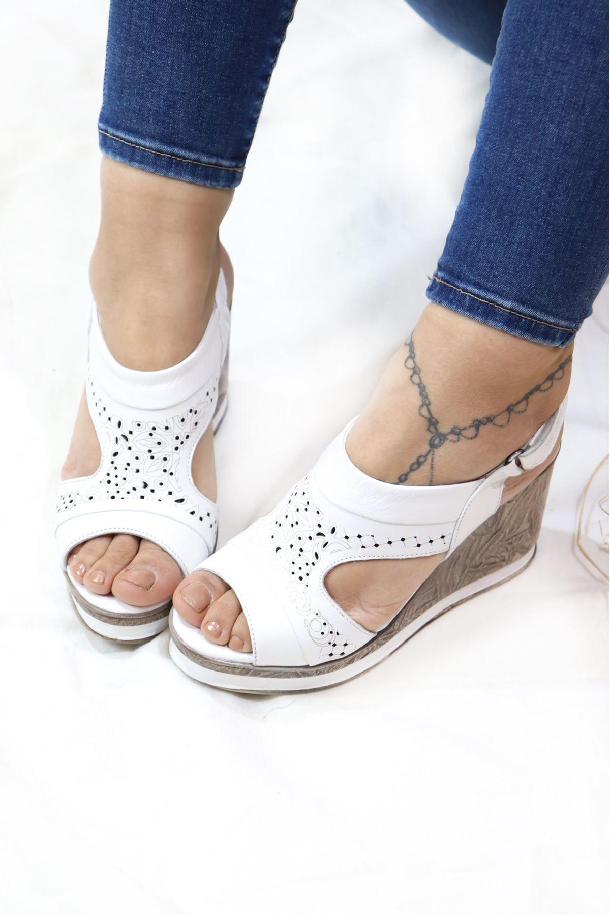 Venüs - 2015707y Beyaz Dolgu Topuk Sandalet