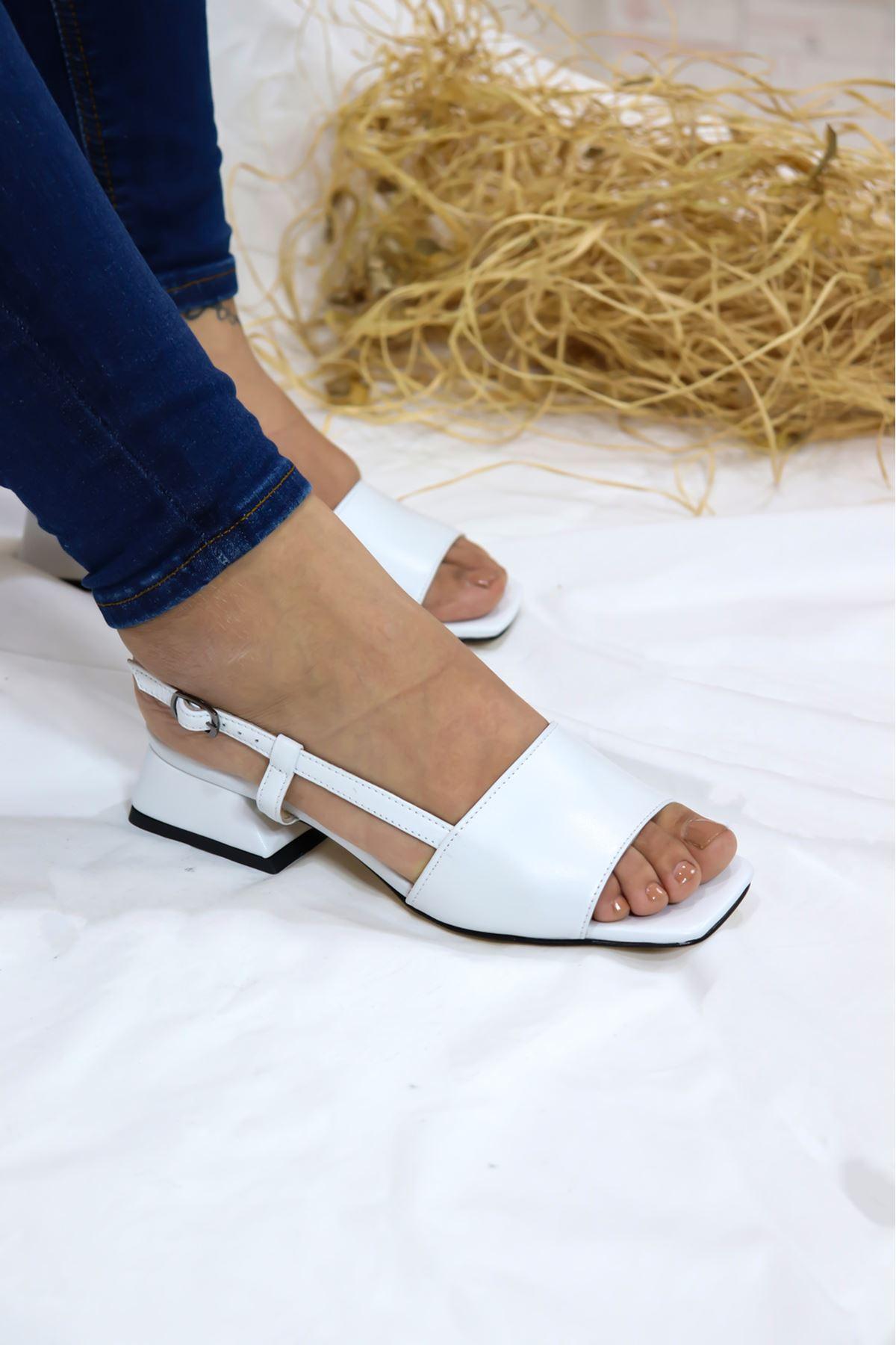 Trendayakkabı - Beyaz Hakiki Deri Sandalet